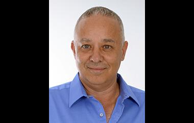לשעבר ראש מועצת קדימה-צורן. הצטרף לנבחרת ושובץ לדירקטוריון של עמותת 'פרזנטנס'